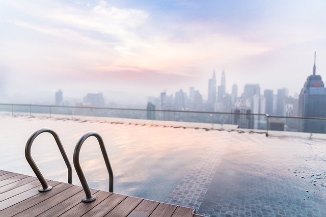 Comment s'entraîner à la nage en eau libre dans sa piscine ?