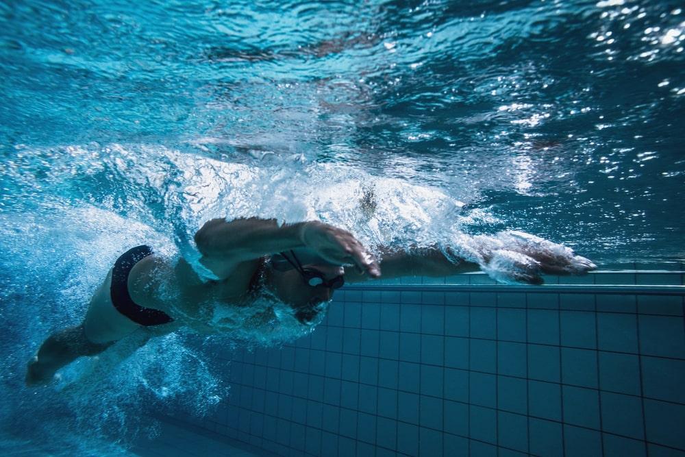 Avec ces astuces vous nagerez vite en crawl